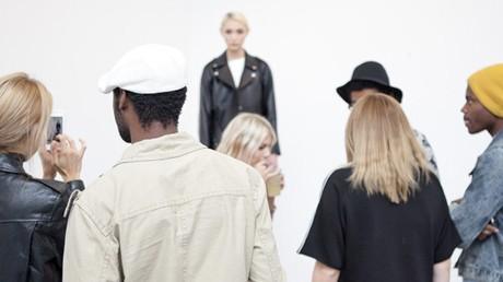 Gäster på Northern Exposure med modell från Ann-Sofie Back.