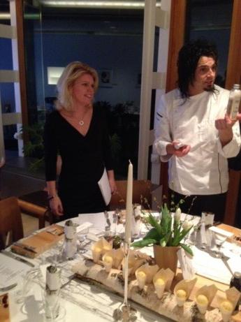 Ann Rosman och ambassadens kock Rasmus Jakobsson.