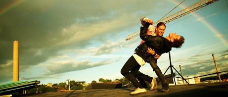 Skådespelarna Saga Becker och Iggy Malmborg som nu båda är nominerade till utmärkelsen Stockholm Rising Star på Stockholm Filmfestival 2014. Foto: stillbild ur filmen Nånting måste gå sönder (2014).