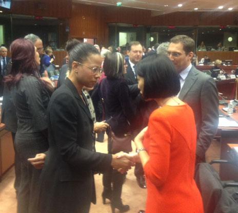 Alice Bah Kuhnke tillsammans med den franska kulturministern Fleur Pellerin.