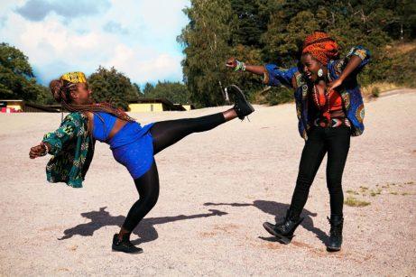 Dokumentärfilmaren Tora Mkandawire Mårtens starka berättelse om streetdans-duon Martha Nabwire och Niki Tsappos Fotograf: Tora Mkandawire Martens