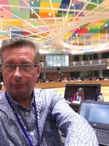 Här sitter jag på Sveriges stol och har möte i arbetsgruppen för idrott