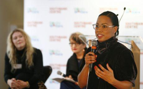 Kulturminister Alice Bah Kuhnke vid presslanseringen av Nordic Matters (I bakgrunden, programläggarna Tamsin Ace och Gillian Moore)