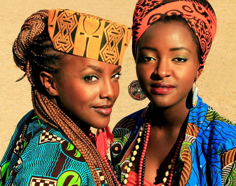 Martha och Niki. Foto: Folkets bio