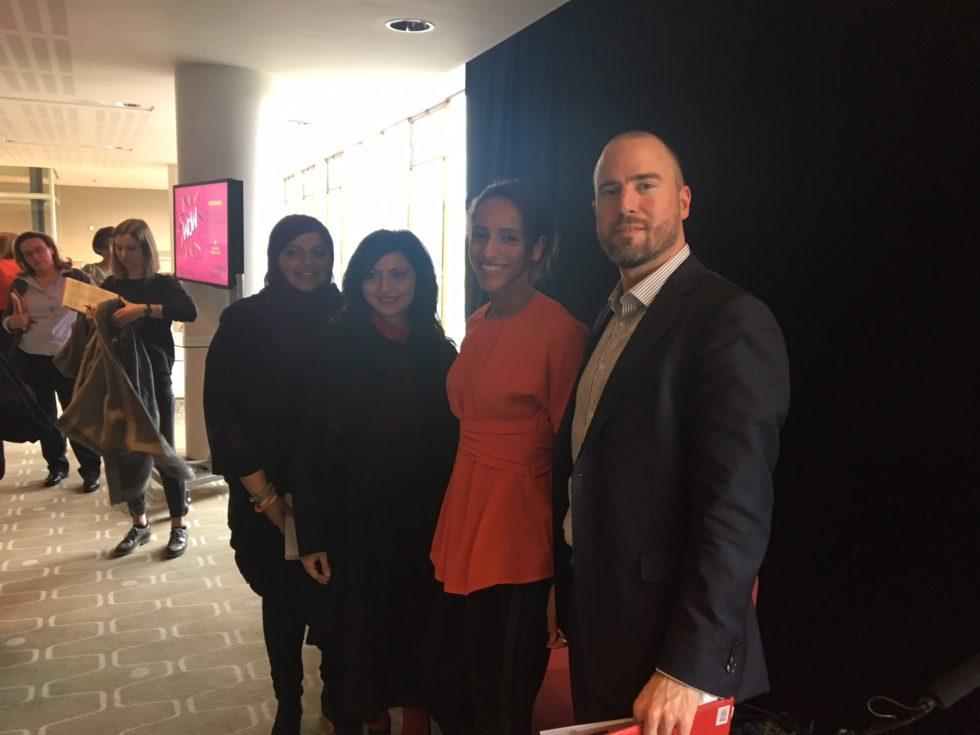 Deltagare i panelen om feministisk utrikespolitik var Shaista Aziz, journalist och författare, Dr Lina Khatib, chef för Mellanöstern och Nordafrika på Chatham House, Afua Hirsch, redaktör på Sky News och Ulf Samuelsson, ambassadråd, Sveriges ambassad i London. Foto: Ellen Wettmark
