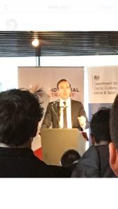 Kulturminister Matt Hancock presenterar den nya strategin för kreativa näringar på Roundhouse i London. Foto: Pia Lundberg