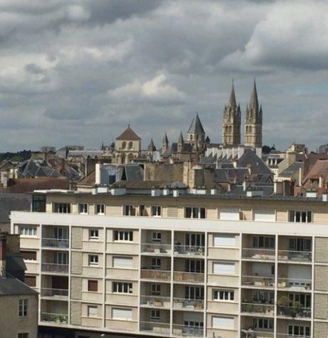 Allt utom katedralerna återuppbyggdes efter krigets bombningar