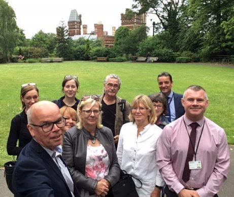 Representanter från Västra Götaland och North East England på plats i Saltwell Park där en västsvensk trädgård ska anläggas hösten 2019.
