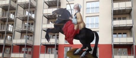 Staty föreställande Greta garbo i rollen Drottning Kristina av konstnärinnan AnnMari Brenkert