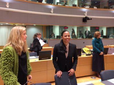 Alice Bah Kuhnke med ambassadör Åsa Webber från Sveriges ständiga representation vid EU i Bryssel. Foto: Mikael Schultz