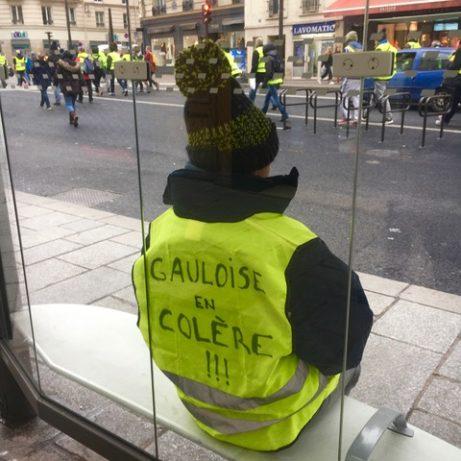 Gula västarna demonstrationståg Rue de Rivoli, lördag den 13 januari, foto: Ewa Kumlin