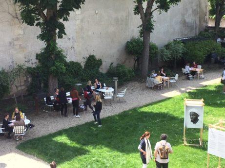 Litteratur workshop i SI Paris trädgård