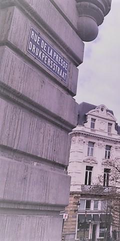 Bild på gatskylt för Rue de la Presse/Drukpersstraat
